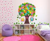Vivify the nursery or the room of a baby or kid with these wall decals. Take a look at this patchwork-inspired tree with a crown made of dozens of colourful flower patches, heart-shaped buttons and green leaves. From its branches hang two swings, each taken by a cute owl. Finish the scene with additional sticker leaves.