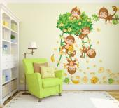 Beautify the bedroom of your baby or child with a kit of jungle-themed original wall decals for Kids. Place on the walls the monkey sisters playing and eating in a tree crown with liana staircases, the branch where the eldest sister rests, bunches of bananas and plenty of delicate flowers and leaves.